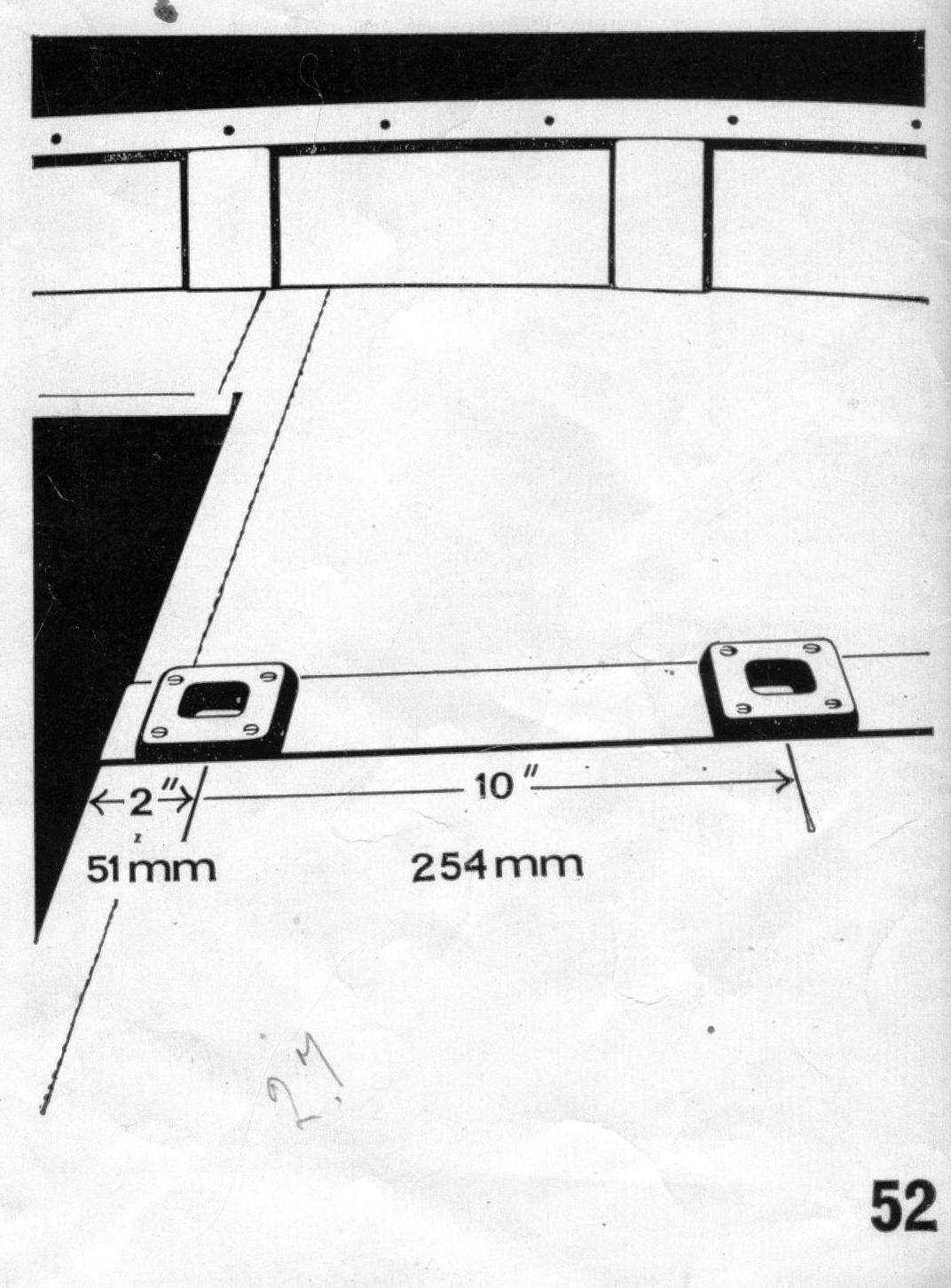 A drawing of the foredeck of a Mirror dinghy showing the mast step positions