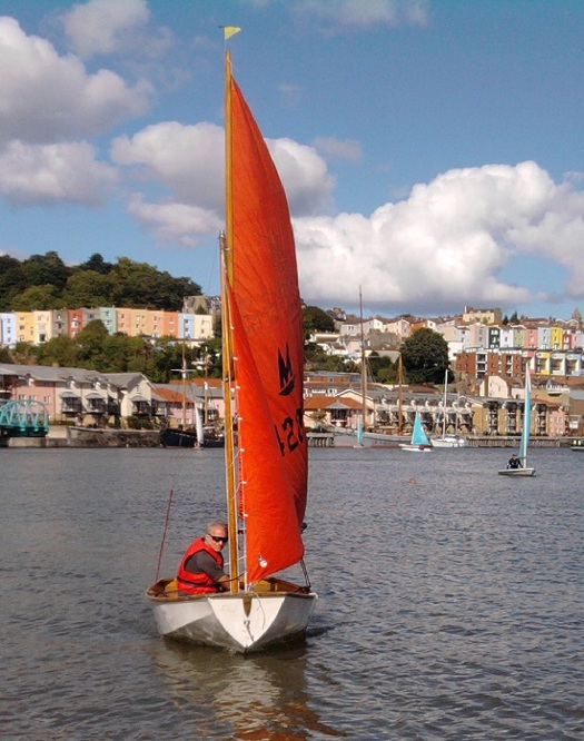 Mirror dinghy 42862 sailing in 2010