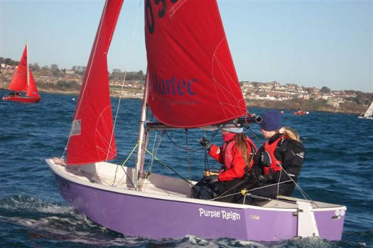 Mirror dinghy 70549 Purple Reign sailing upwind